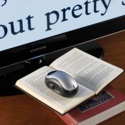 Wireless-Page-to-TV-Magnifier