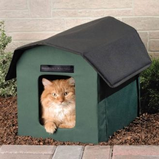 Heated-Outdoor-Cat-Shelter