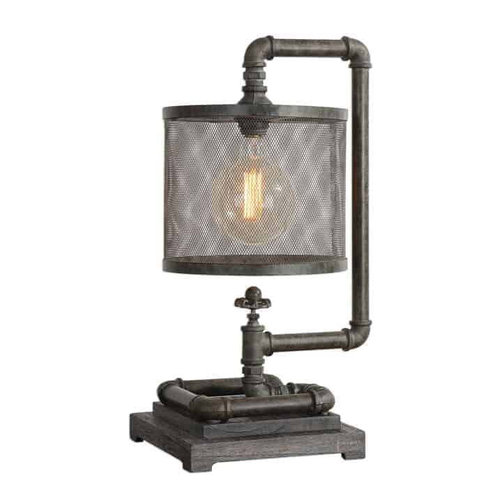 Industrial-Style-Table-Lamp-in-rustic-look