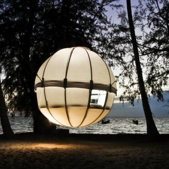 Cocoon Spherical Tree Bed