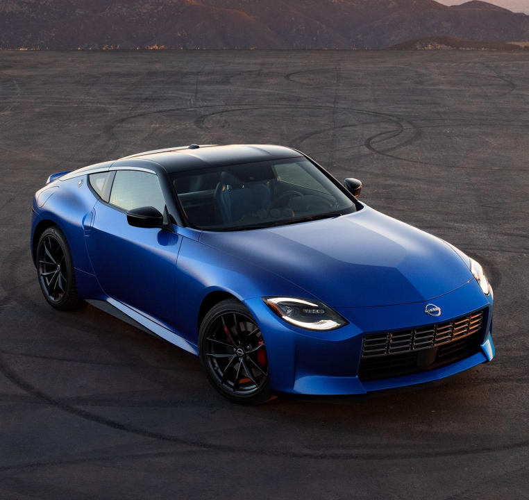 Iconic Nissan 370Z Returns as a 400hp Nissan Z with Manual Transmission4.jpg