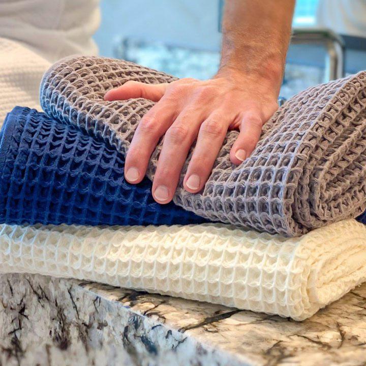 The-Smart-Waffle-Towel-Reinvents-The-Bathroom-Towel.jpg