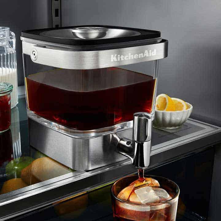 Cold-Brew-Coffee-Maker in refrigerator