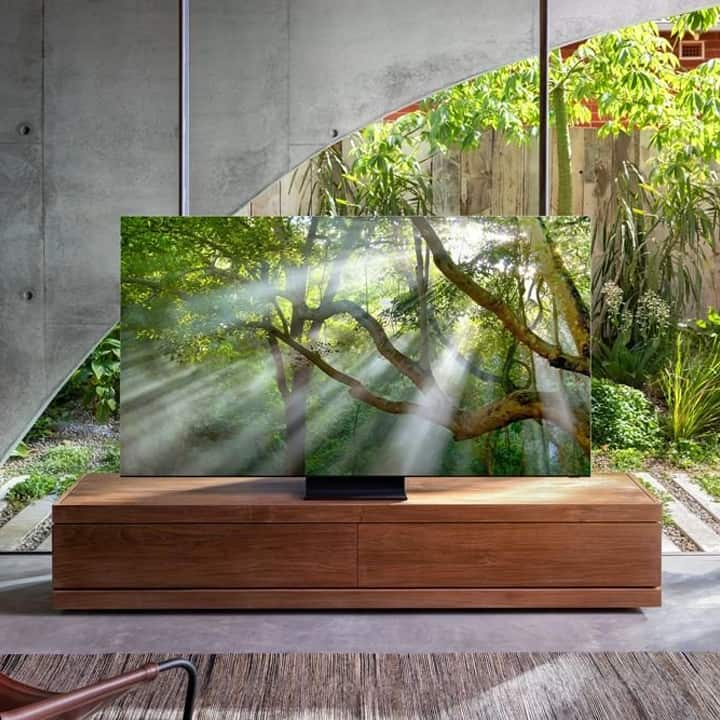 Samsung Zero-Bezel 8K TV