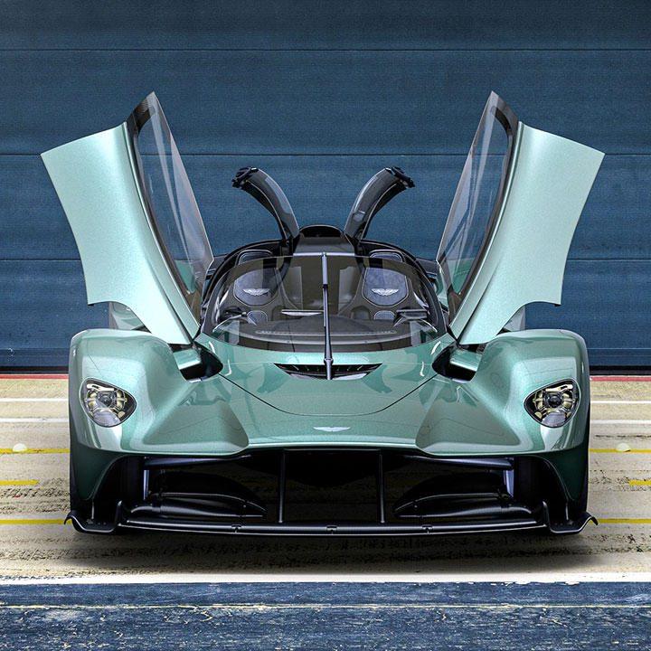 Aston-Martin's-1,139-HP-Valkyrie-Spider-Unveiled-During-Monterey-Car-Week.jpg